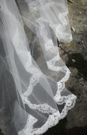 Voile de mariée en tulle et dentelle   Love Is Like A Rose Paris